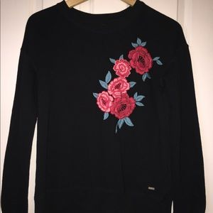Sweatshirt with roses